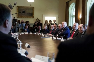 donald-trump-cabinet-meeting
